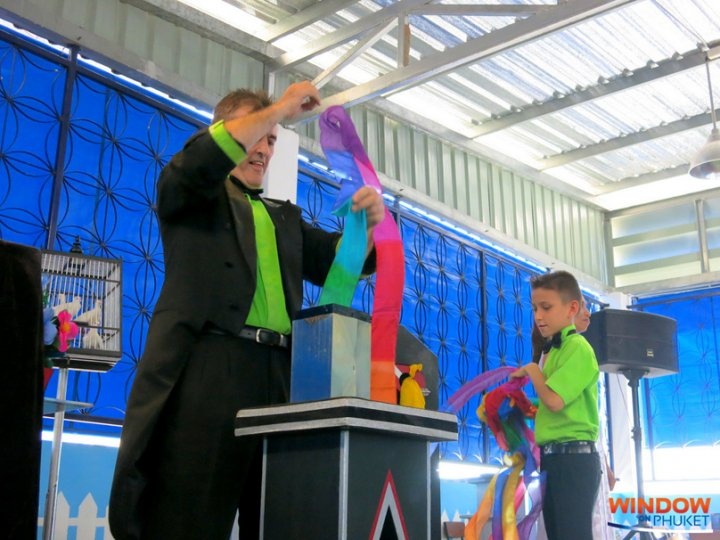 GOMS organised a magic show