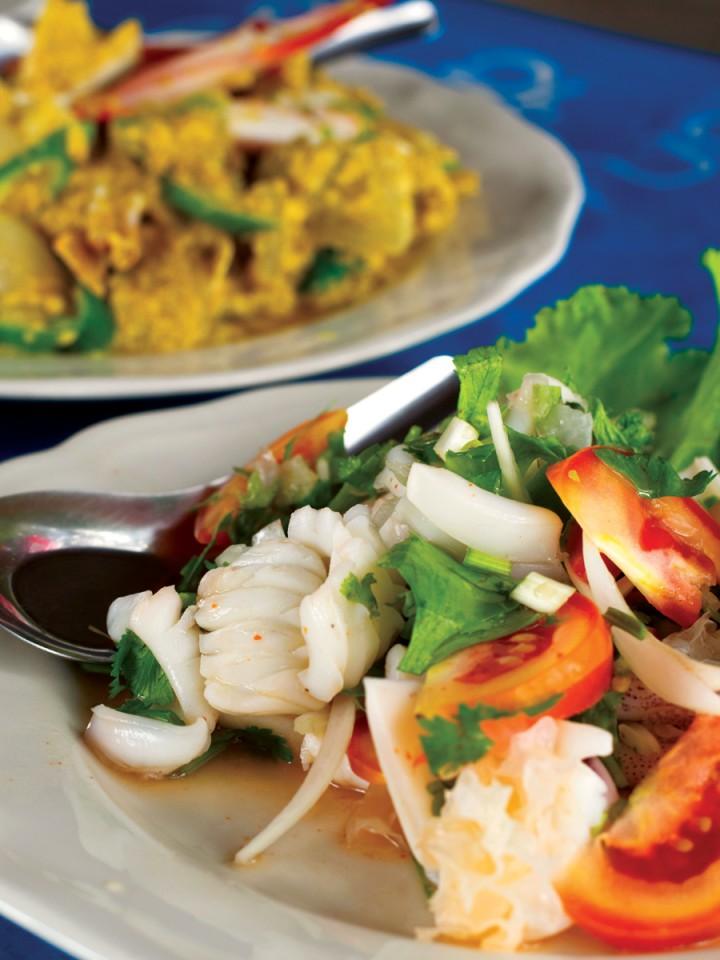 Seafood at Pak Meng beach